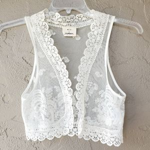Pins And Needles Sweet Lace Vest   S